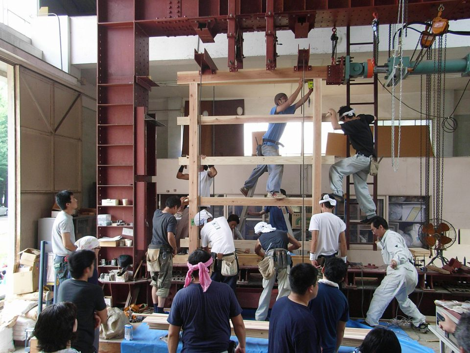 大工塾での耐力壁の試験風景