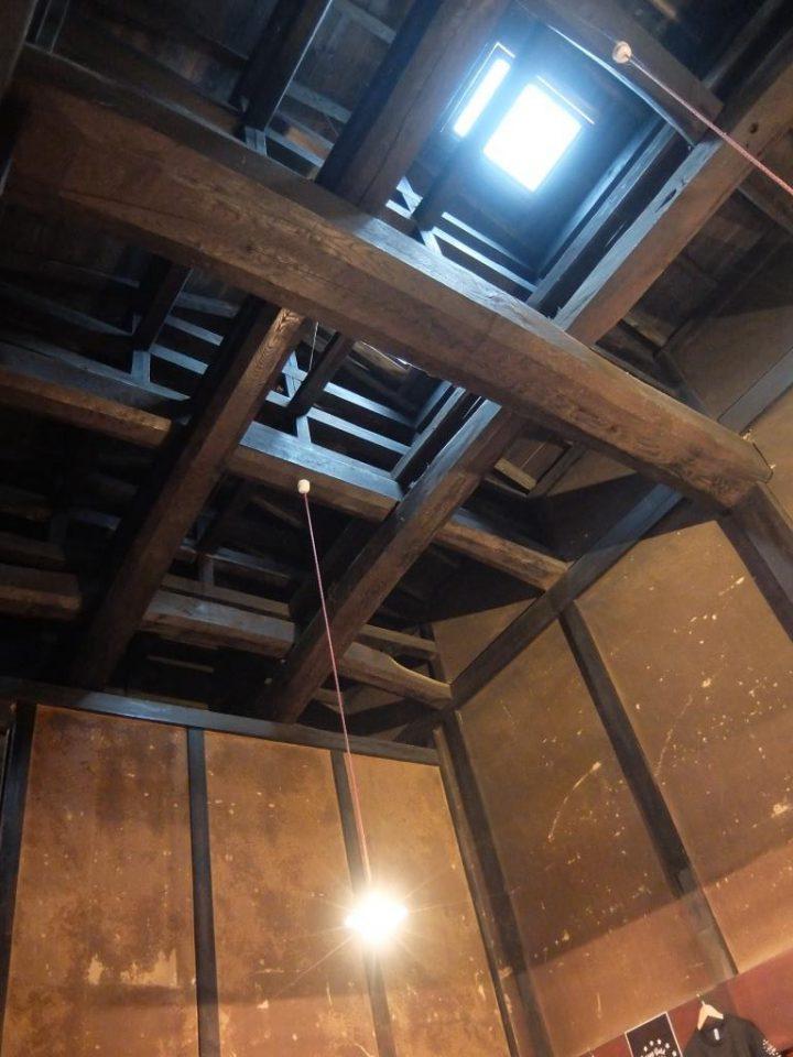 鳥取県若桜町の蔵を活用した店舗天井