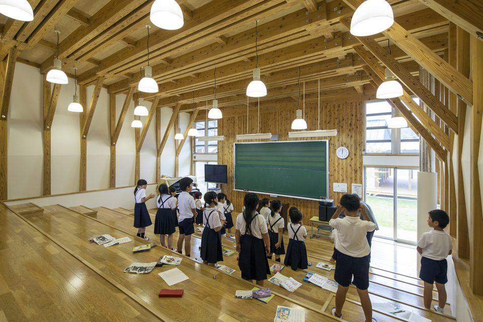 三加和小中学校(教室)