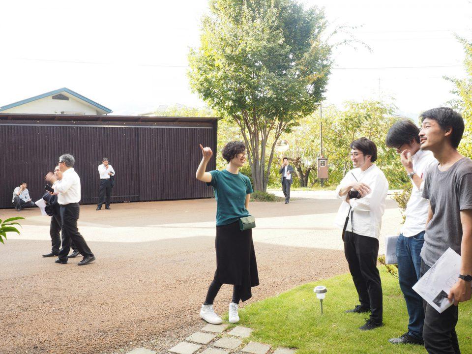 施設見学に訪れた設計者同士での交流や意見交換も。