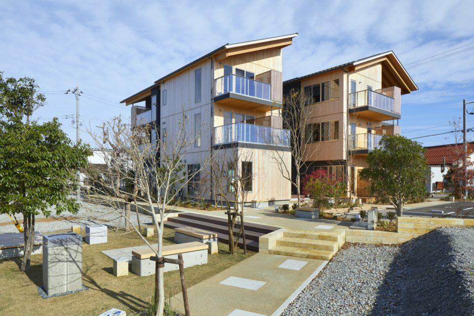 住人同士のあたたかな交流を育む、木造3階建 集合住宅