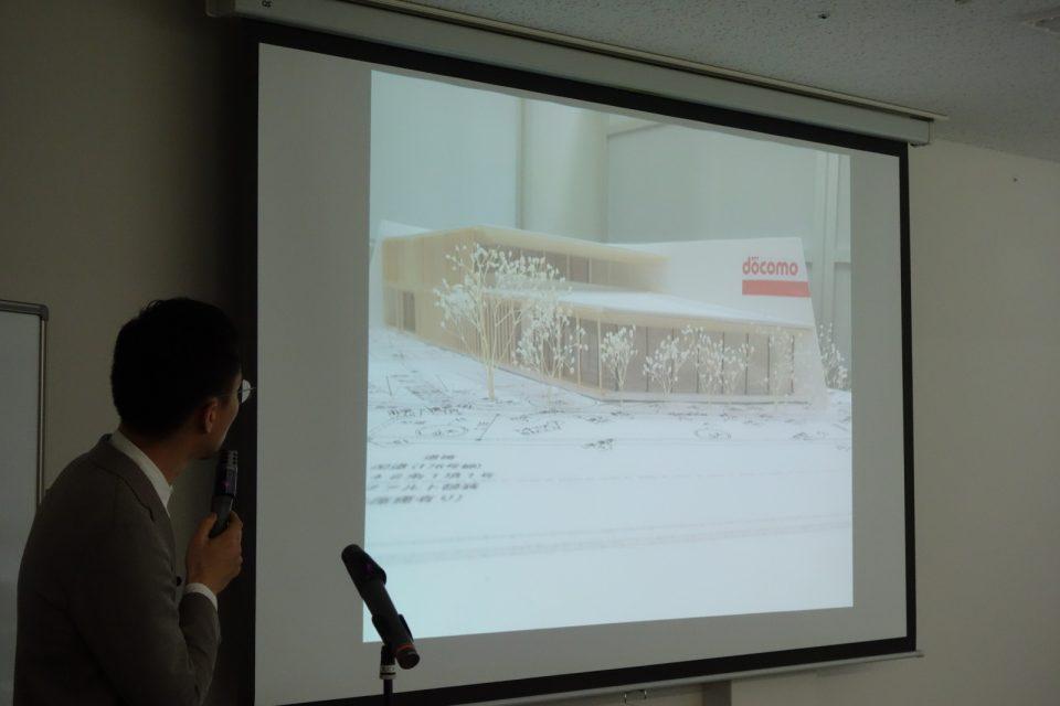 事業者に向けたプレゼンテーションでは、具体邸なイメージが伝わるCGパースや模型をつくって提案。店舗であることがきちんと伝わるよう、サインの大きさや取り付け位置も現場で確認をした上で提案に反映しているそう。